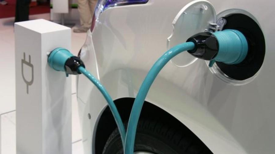 'Doel elektrische auto's wordt niet gehaald bij huidig beleid'